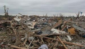 800px-EF5_tornado_damage_example
