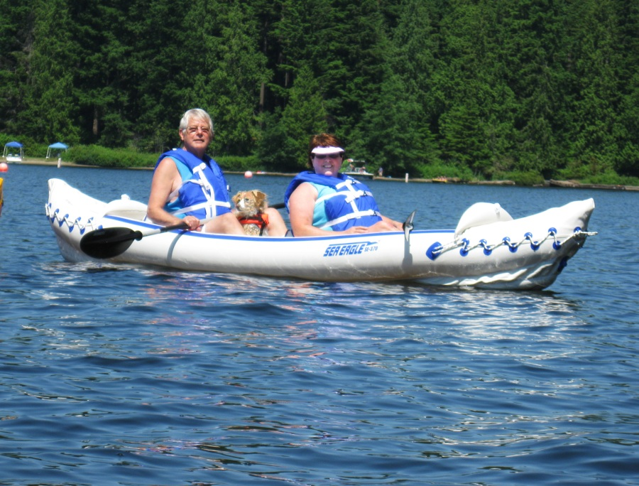 Rick and Kathy Leal quickly got the hang of paddling their Sea Eagle 370 in tandem. Read this post to learn their hands-on paddling techniques.
